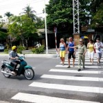 NhaTrang introduce the team helping tourists cross the street